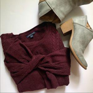 american eagle maroon sweater